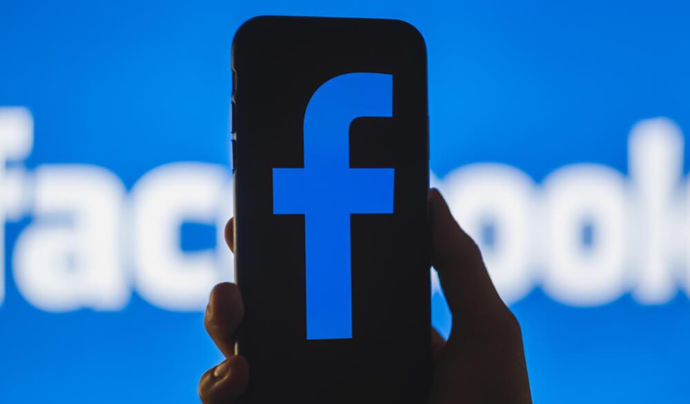 advantages disadvantages of facebook marketing